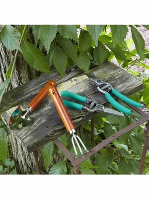 Lot de 4 outils de jardinage + mallette