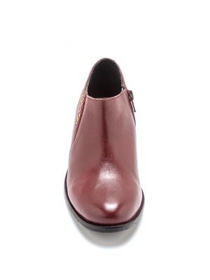 Boots basses en cuir avec clous