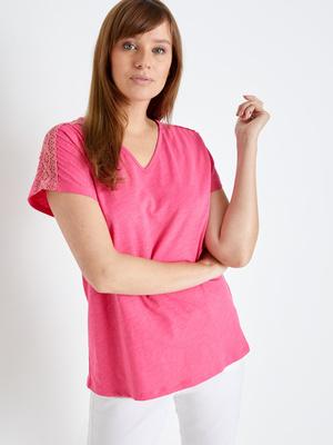 Tee-shirt avec guipure aux épaules